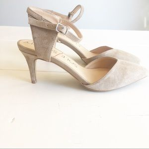 SOLE SOCIETY tan suede heel sz.6.5